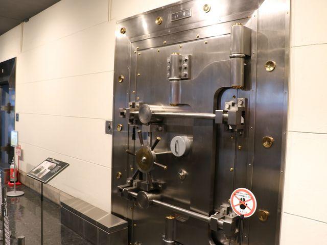 金庫_日本銀行旧小樽支店金融資料館