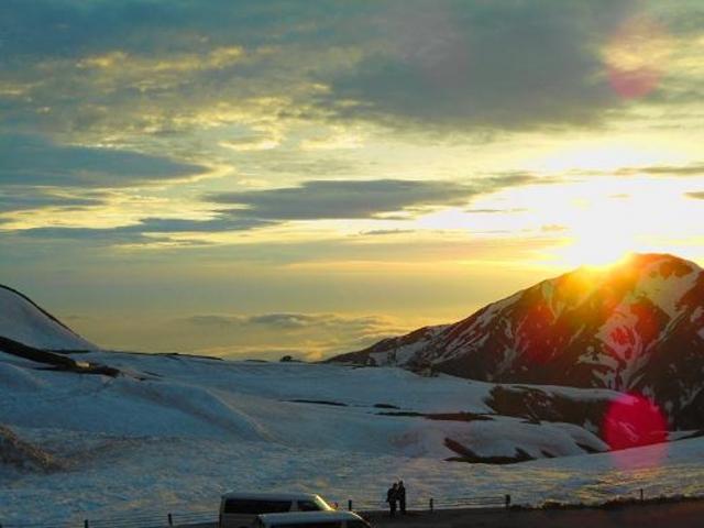 山に沈む夕日がとてもきれいでした。_室堂平