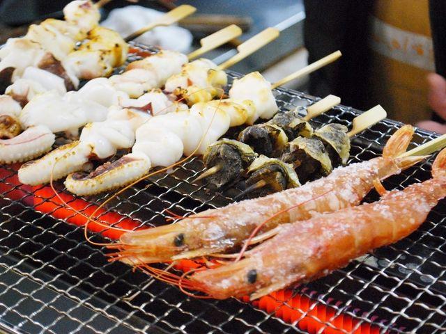 海鮮焼きのお店も充実_日本海さかな街