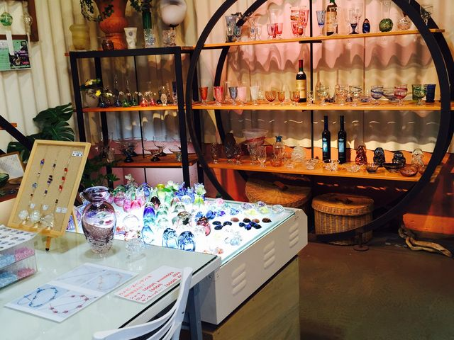 ギャラリーでお土産に最適なオリジナル作品を販売しております。_勝沼ガラス工房がらす屋