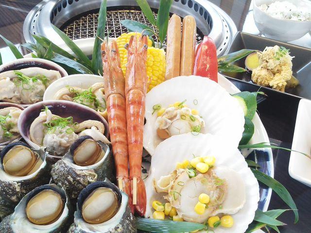 屋形船焼貝コースのお料理です。(2人前:例)_鳥羽 海鮮料理 屋形船おきた