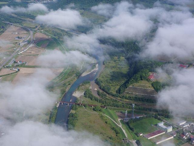 """■雲海フライト情報■低高度の雲は6月後半から出始め8~10月そこそこの確率""""で出現します """"朝一番""""に狙ってみてください。_MPGそらち"""