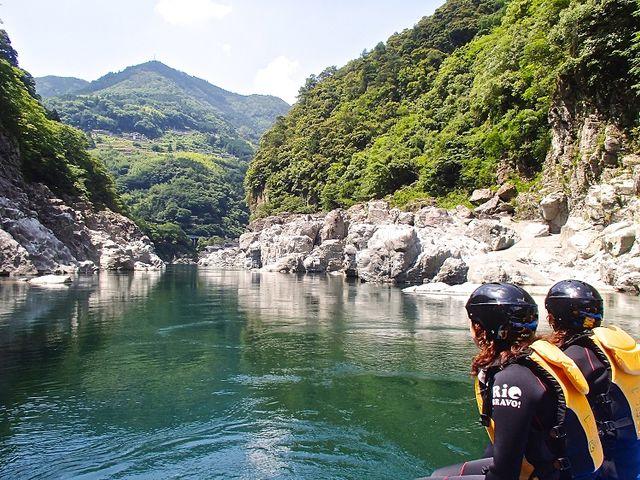 祖谷剣山国定公園内を流れる小歩危峡の雄大なコースは息をのむすばらしさ_RioBRAVO!