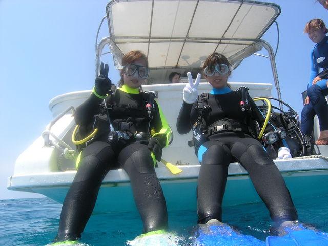 ボートでの体験ダイビングは楽ちんですよ!!_ダイビングサービスあいる・ぷまんどぅ