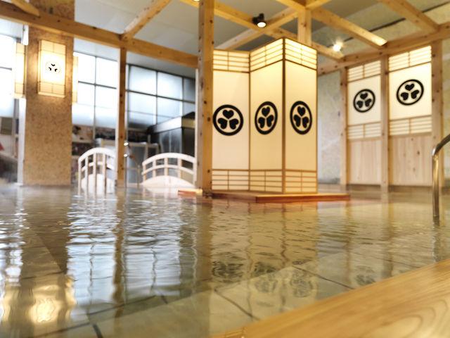 大江戸百人風呂/やぐら檜の湯_大江戸温泉物語 箕面温泉スパガーデン