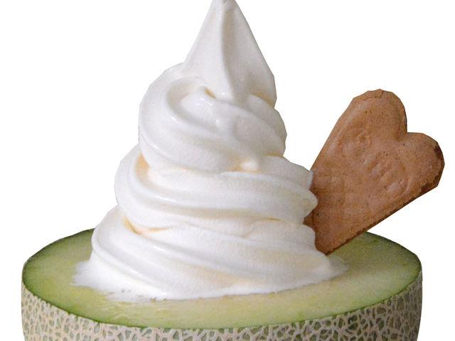 メロン果汁100%とソフトクリームのコラボ 究極の旨みです_フォレストパーク メロンの森