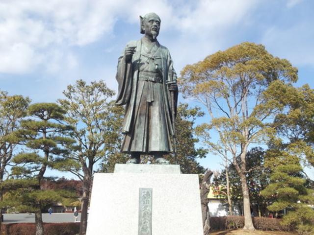 徳川光圀公像(千波湖畔)徳川光圀公像(千波湖畔)