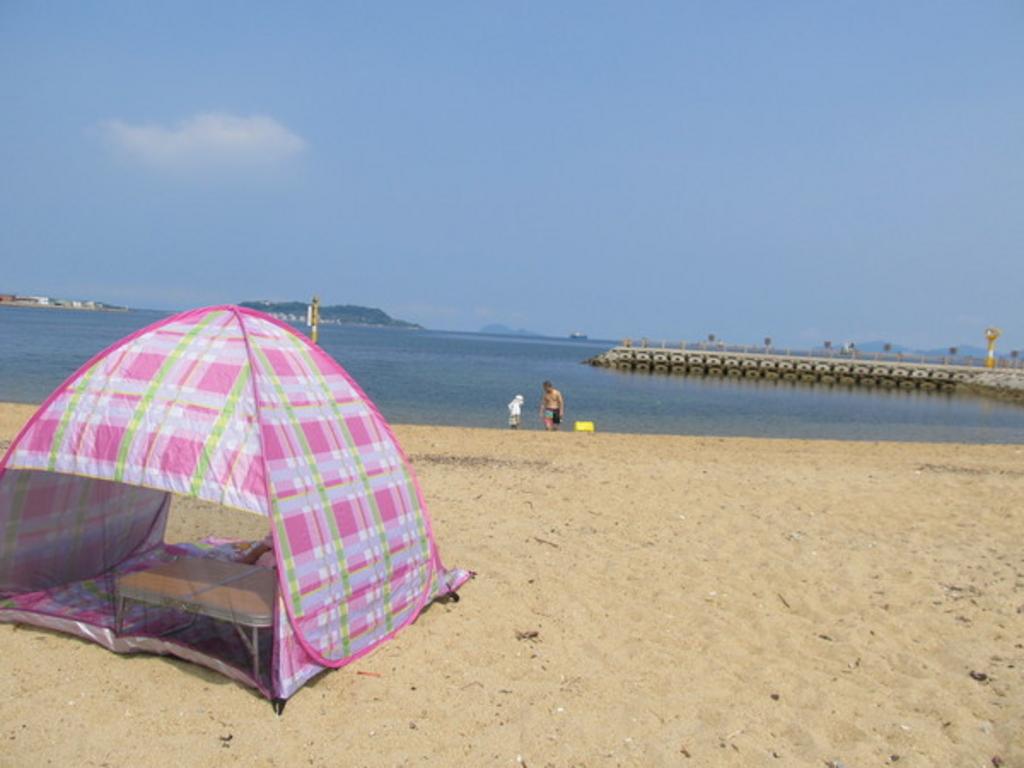 ひこっとらんどマリンビーチ(西山海水浴場)