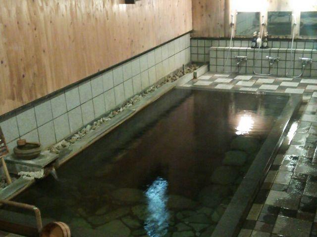 長寿の湯(足元湧出)_岩井温泉