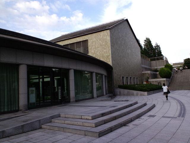 神戸風月堂は小磯良平美術館の一角です_神戸市立小磯記念美術館
