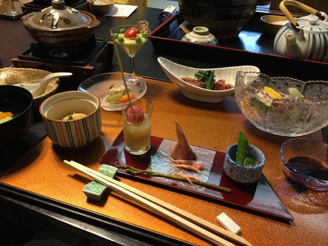 美味しい夕食でした。大人向けの味付けです。_下呂温泉