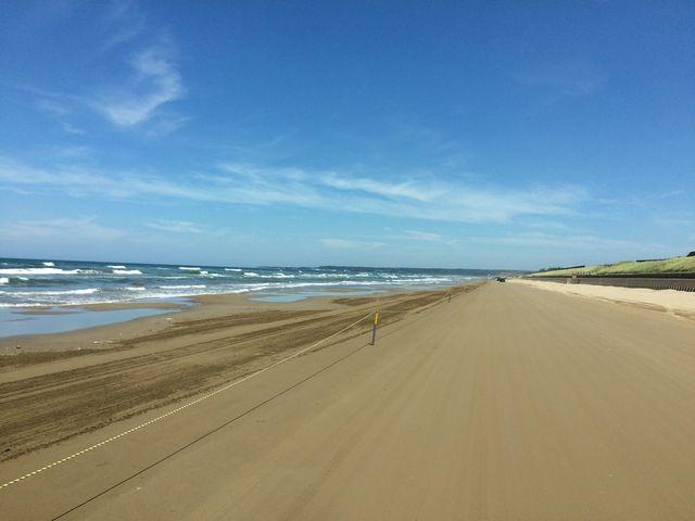 9〓ほど続く砂浜ドライブウェイ_千里浜なぎさドライブウェイ