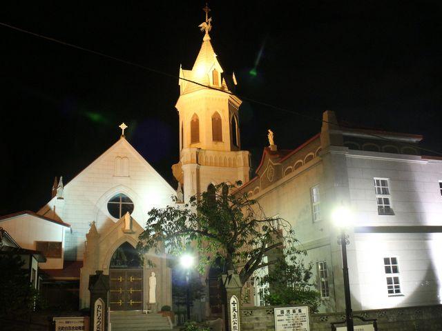 外観(夜)_カトリック元町教会