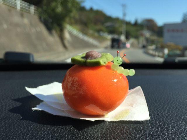 和菓子に ガラス細工を添えてみました。 可愛くって 可愛くって_草津ガラス蔵