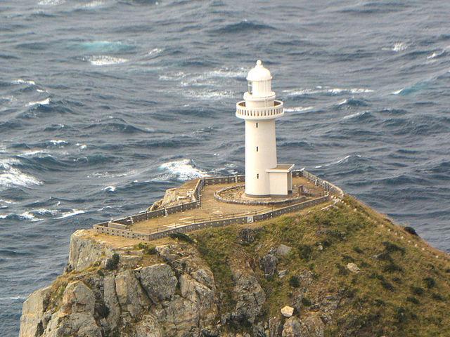 美しい灯台です_大瀬崎灯台