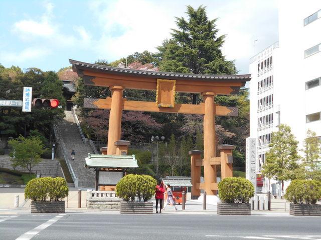 鳥居の奥に階段_宇都宮二荒山神社