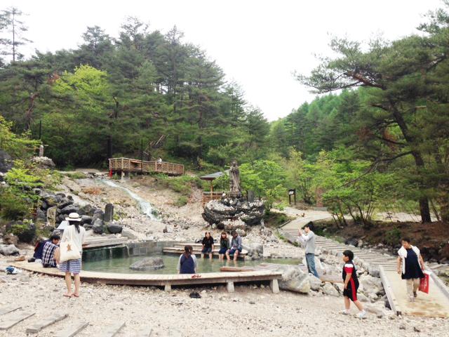 足湯できるエリアあり。_西の河原公園