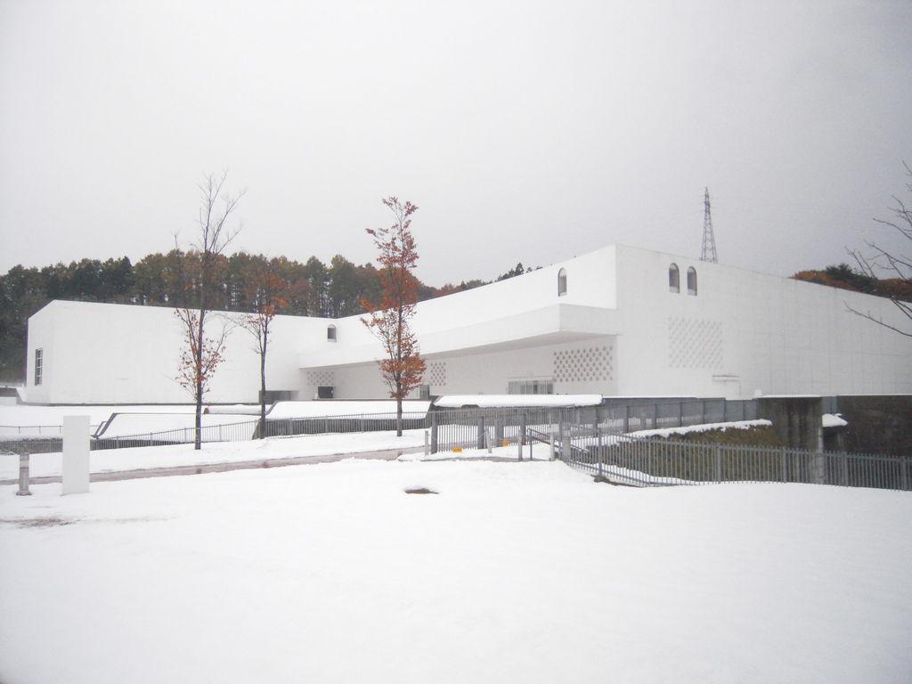 星青森県立美術館