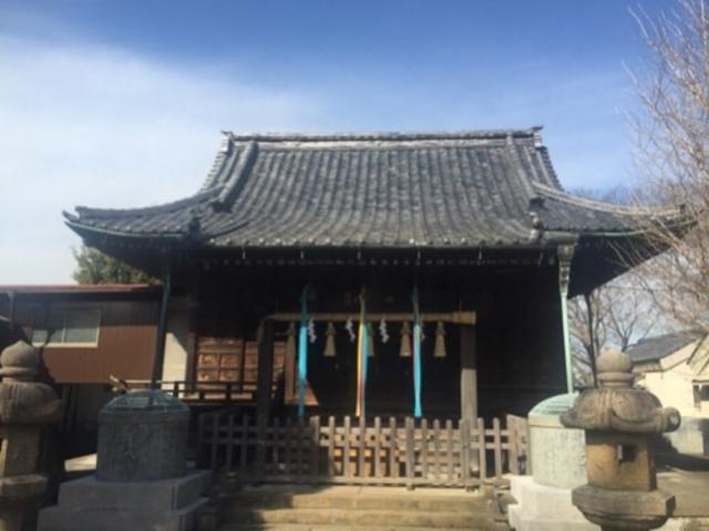 立派な本殿です。_諏訪神社