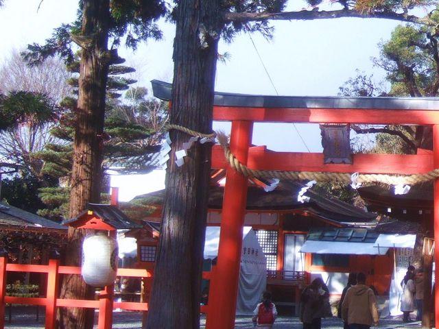 吉田山のふもとの普段は静かな神社です。_吉田神社