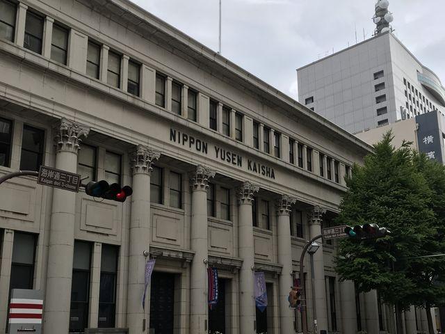 ギリシャ建築を思わせる優美な博物館_日本郵船歴史博物館