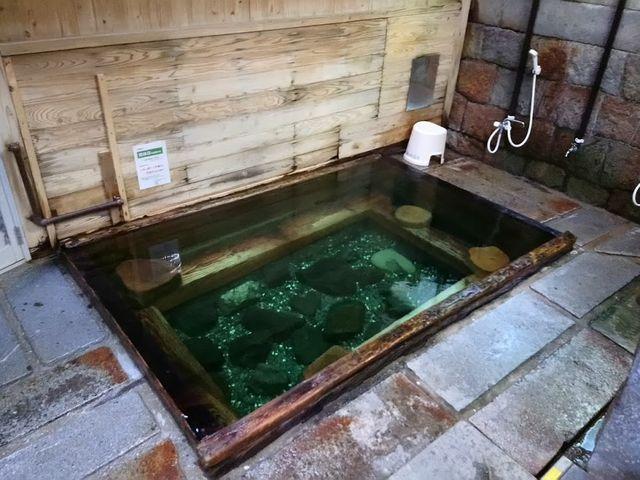 下の湯の浴槽です_湯川内温泉 かじか荘