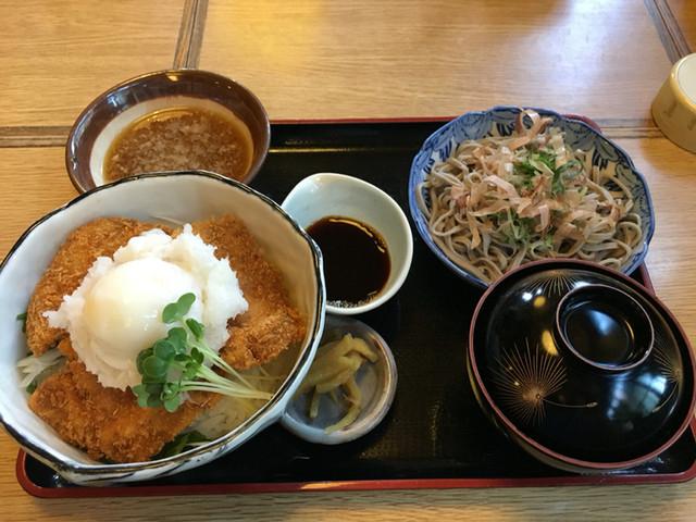 醤油カツ丼_そば処梅林