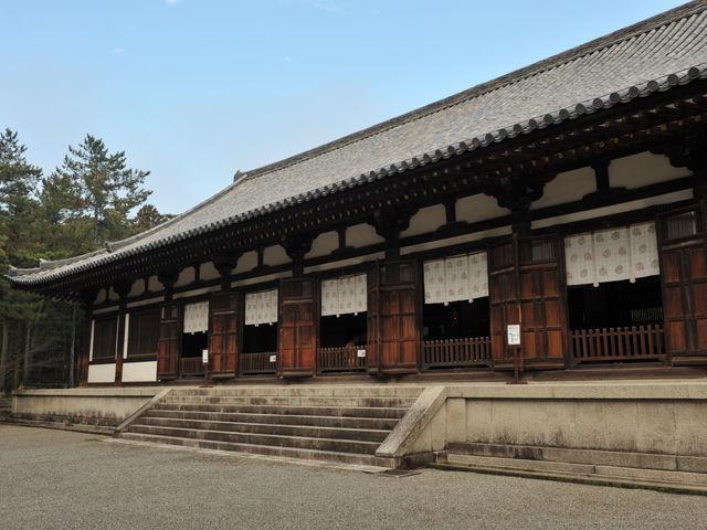 多くの貴重な仏像が収納されている_唐招提寺講堂