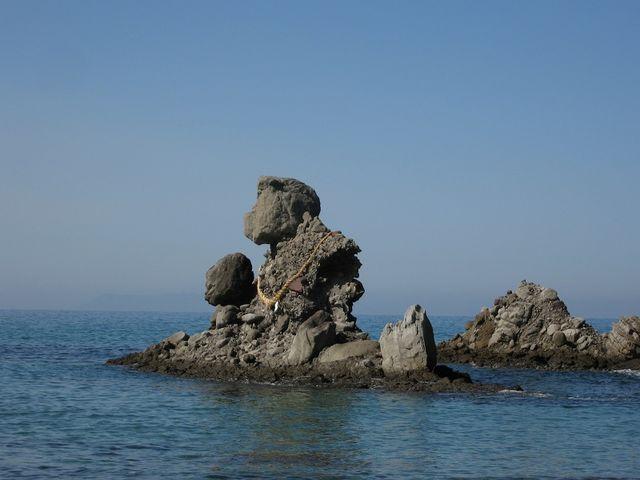 海岸に下りて人形岩を撮りました_西方海岸