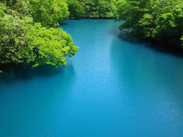 緑と青_四万湖