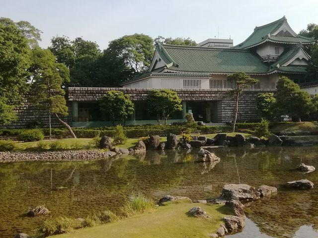 庭園のきれいな池_富山城址公園