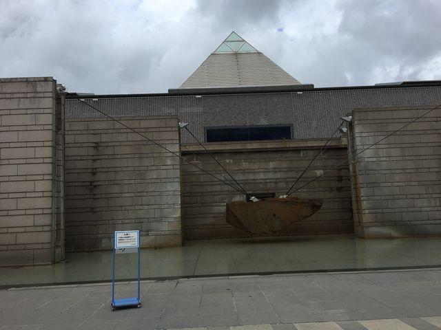 噴水オブジェ_水戸芸術館