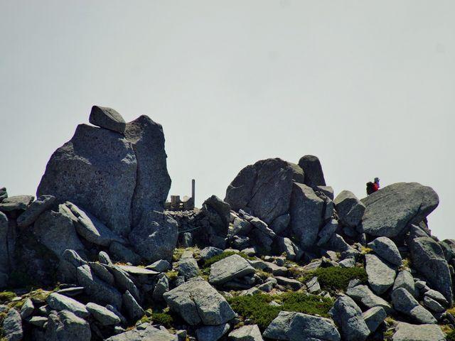 駒ヶ岳からの中岳山頂2925m_駒ヶ岳(木曽駒ケ岳)