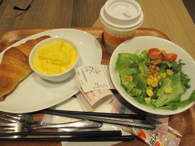 スクランブルエッグ量が多い_三日月屋 福岡空港店