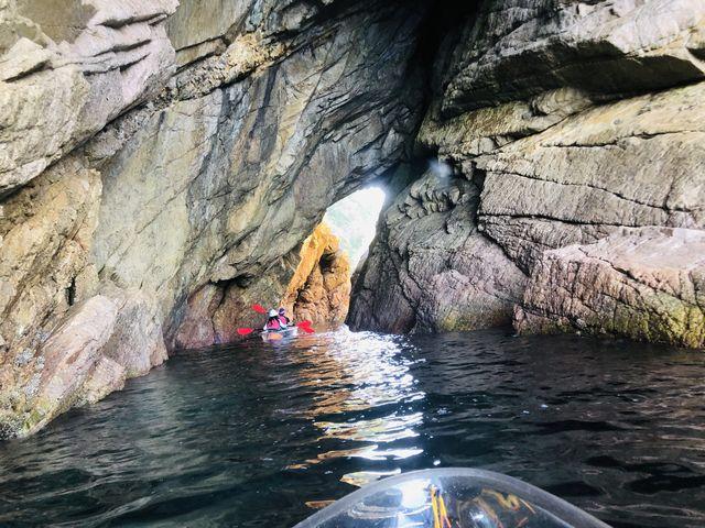 うみがめちゃくちゃ綺麗!洞窟も何個か巡って探検している気分でわくわくでした☆_鳥取県自然体験塾