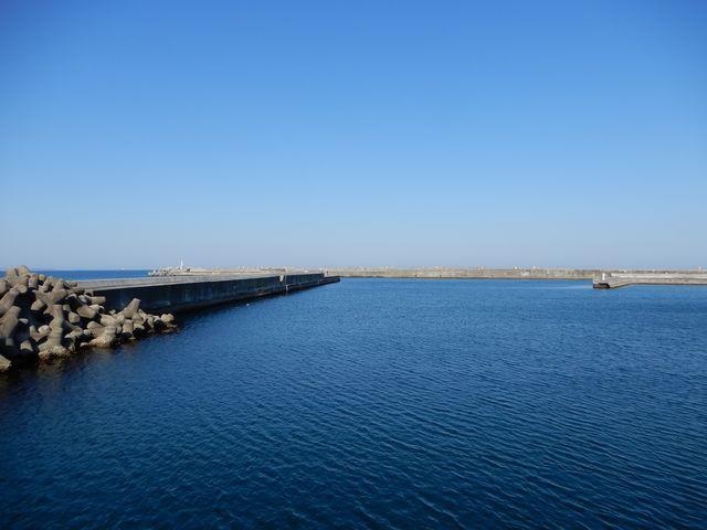 海と空がすごくきれいでした。_平潟港