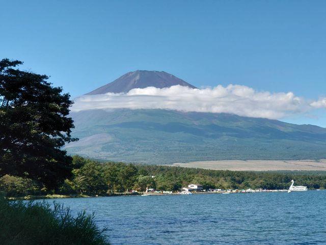 湖からの富士山の眺めは最高でした。30分のスワンボートでも十分満喫できました。_ボートハウスメイン