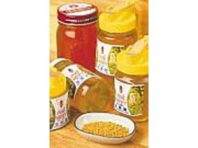 ビタミンなどを含む『花粉だんご』も人気_ハチミツの生蜂園