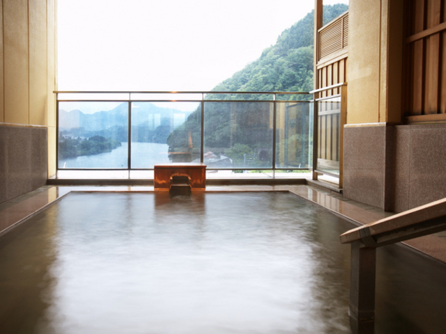大浴場「水鏡」露天風呂_咲花温泉 翠玉の湯 佐取館