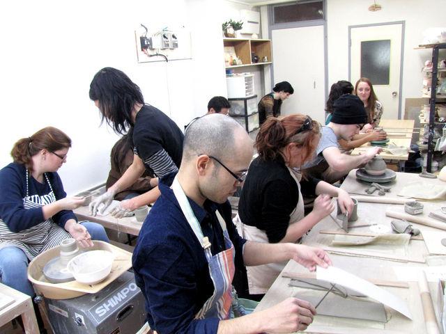 英語で出来る陶芸体験もありますよ。_うづまこ陶芸教室