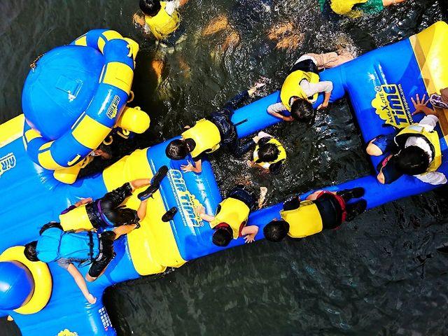 水上アトラクションは子供たちを夢中にさせる♪_福島県・会津・裏磐梯・キャンプ&ステーキBBQ体験 裏磐梯ウォーターパーク