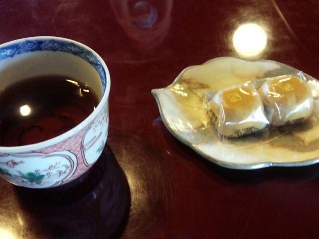 お茶うけに和菓子_彦根美濠の舎
