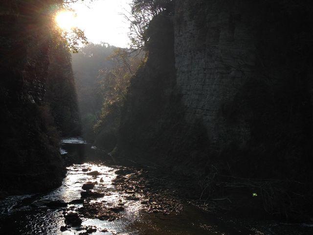 川野家という一軒宿から15分くらい歩いたところで行き当った景色です。_養老渓谷