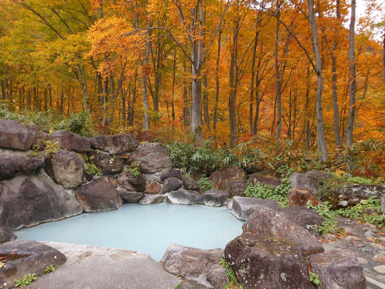 燕温泉『黄金の湯』『河原の湯』