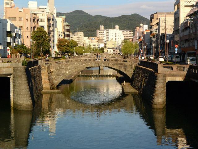 たくさんの石橋がかかっています_中島川の石橋群