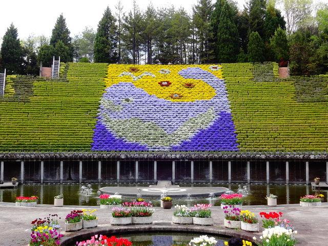 花と水のタペストリー_宇治市植物公園