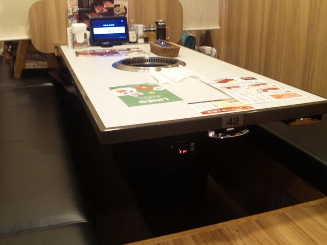 テーブル席_じゅうじゅうカルビ 東静岡店