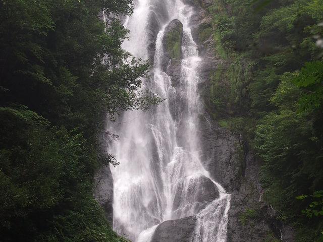 通常よりも水量が多い神庭の滝_神庭の滝