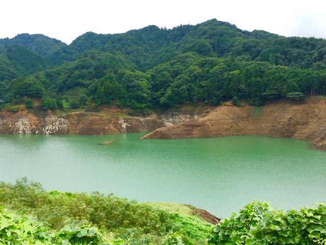 宮ヶ瀬湖。今年は水が少ないようです。_宮ヶ瀬湖