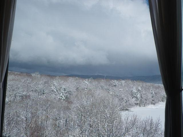 温泉旅館からの凍った阿寒湖_阿寒湖温泉